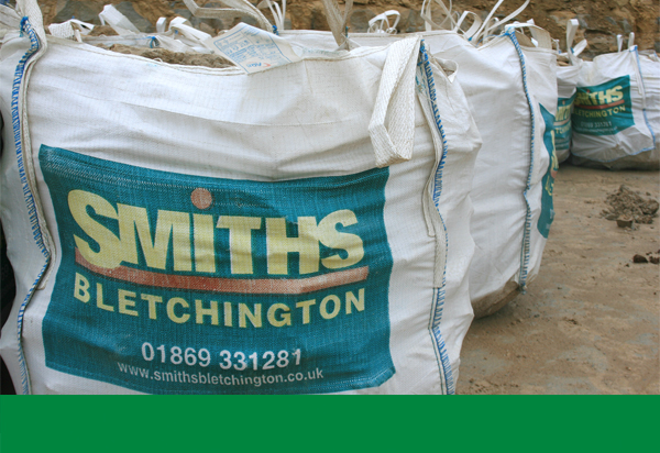 Each Smiths bag carries on average 800kg - depending on size and  shape of stone. Note: Stone is sold (normally) by the tonne via our weighbridge.