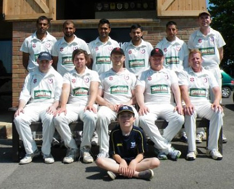 SMITHS SPONSOR LOCAL CRICKET TEAM